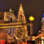Julmarknaden på Gendarmenmarkt i Berlin
